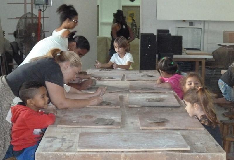 Les Amis de Cayenne découvrent les arts céramiques © Art Sud