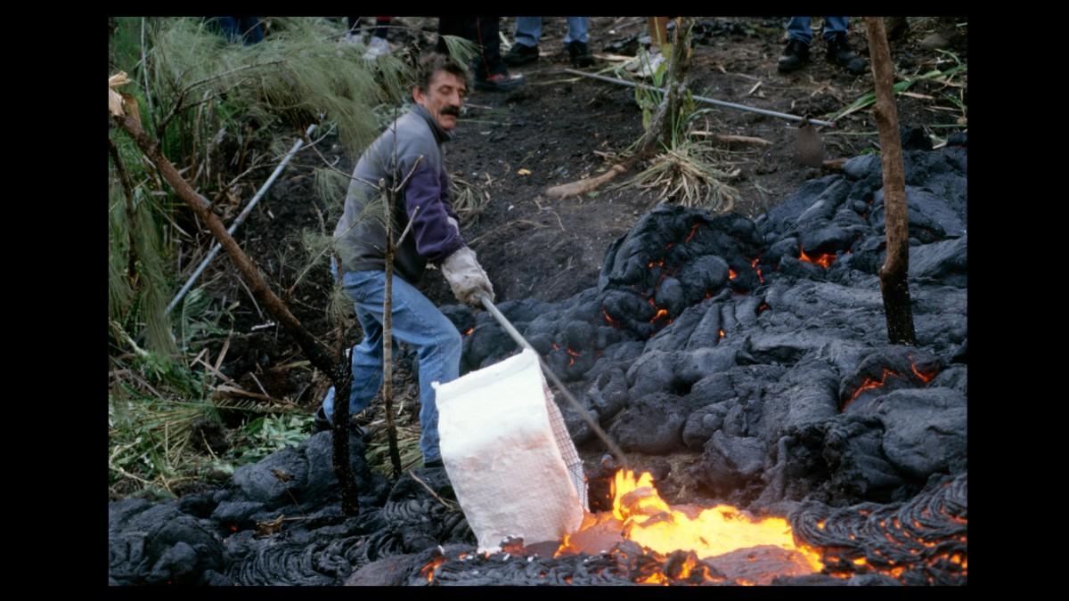 Travail sur coulée de lave | Yvon Chiampo © Valérie Koch